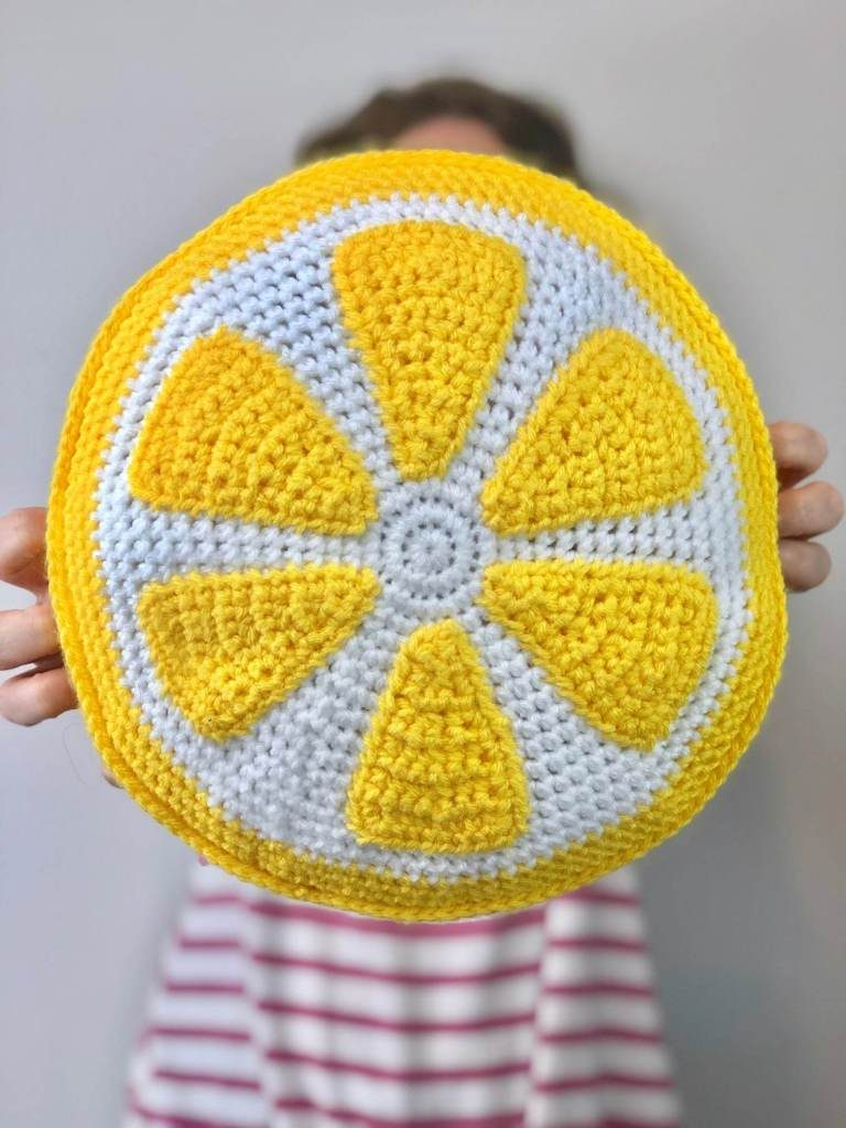 A Crafty Concept - Crafty Lemon Pillow Pattern - Home decor project for summer