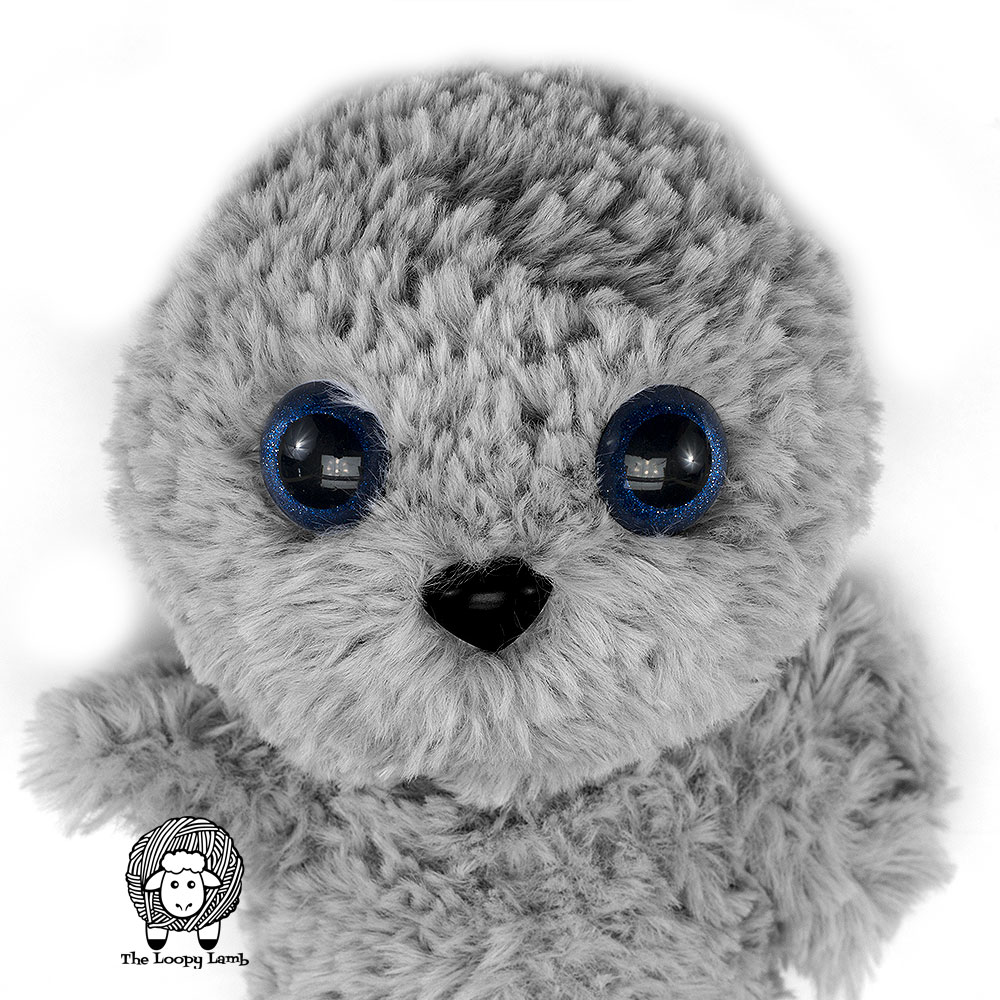 How to Crochet an Amigurumi Baby Seal - YouTube | 1000x1000