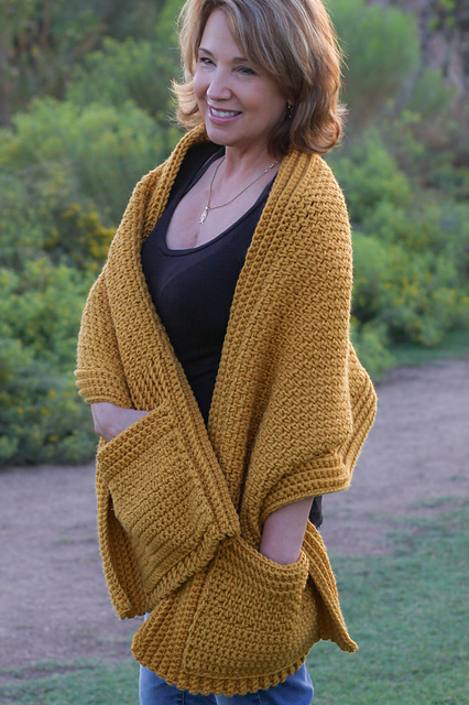 Quick and easy pocket shawl from winding road crochet